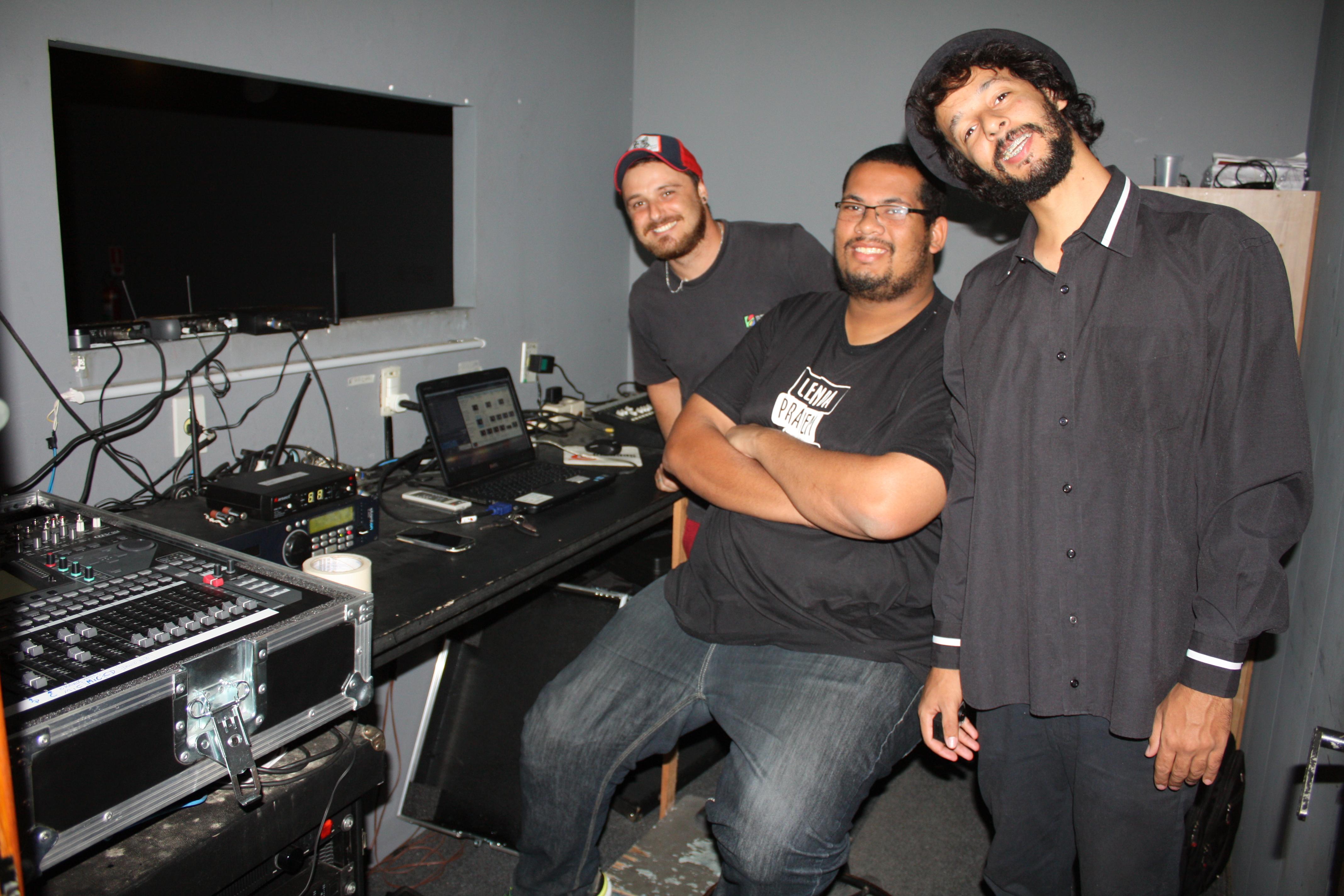 Equipe técnica do FESTICINI - Helton Barros, Felipe Pereira da Silva e Fernando Tognon