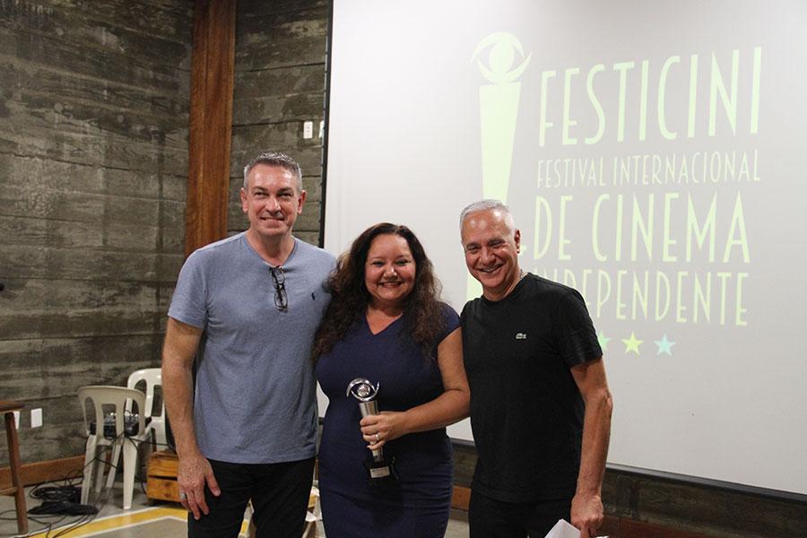 Melhor Atriz - Ingrid Trigueiro - Filme Rebento entre os curadores do FESTICINI